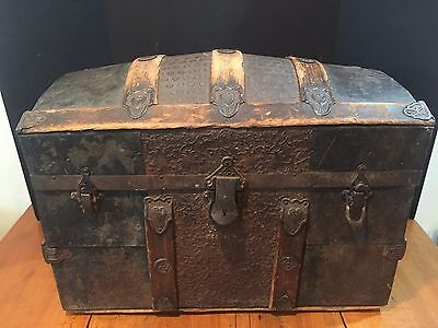 Small Antique Dome Top Steamer Trunk Chest