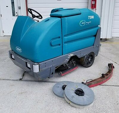 "Tennant 7300 ecH2O Ride on Scrubber Floor Cleaner  ""Free Shipping."""