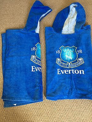 2x Everton Hooded Towels