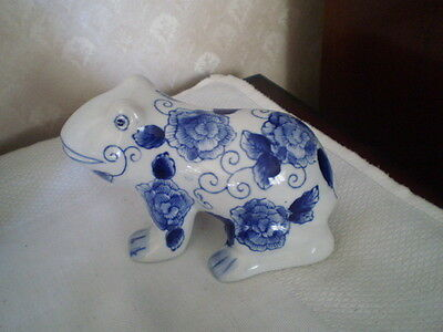 Blue & White K Glazed Frog Figurine With Flowers - Wpi