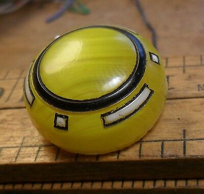 """WOW 15/16"""" Box Shank Old Yellow Glass Antique Button 81:10"""