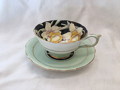 Paragon England Daffodils on green Background 'Queen Mary' Tea Cup & Saucer 929