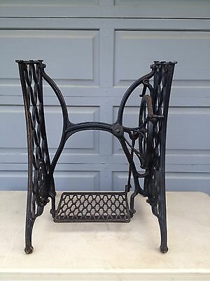 Antique SINGER Treadle Sewing Machine Cast Iron base Industrial Stand
