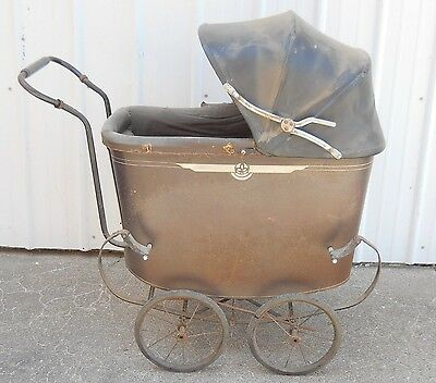 Antique Vintage Victorian push Baby Buggy Stroller with Convertible hooded top