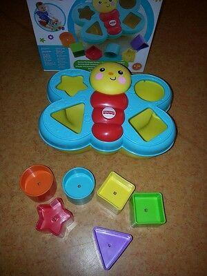 FISHER PRICE Mon trieur de forme papillon