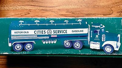 2000 CITIES SERVICE TOY TANKER  TAYLOR TRUCKS 10th IN A COLLECTIBLE SERIES MINT