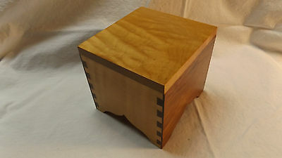 BEAUTIFUL DOVETAILED MUSIC BOX Craftsman Made - Wind Beneath My Wings multi wood