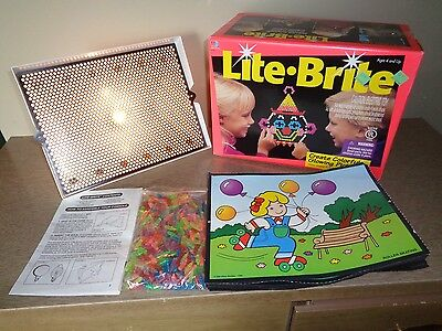 Light Brite Bright 1994 Edition  Includes Pegs 14 Pictures