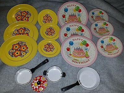 Lot of 16 Vintage Tin Metal Child's Toy Kitchen Play Dishes~plates, pans