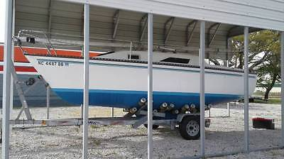 1982 22' Hunter Sailboat ....... New Bottom Paint / Trailer Included