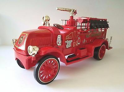Vintage JIM BEAM Decanter 1917 Mack Bulldog Fire Truck - VG Condition