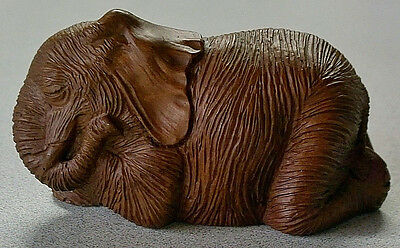 Vintage Red Mill ELEPHANT Sleeping Napping WRINKLES Carved ORIGINAL mfg sticker