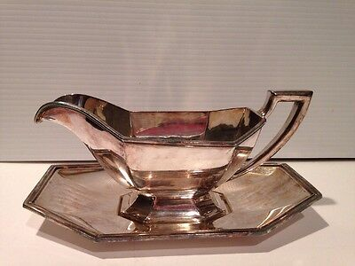 VINTAGE  WALLINGFORD Silverplate DECO Gravy Boat & Underplate 1903-1941
