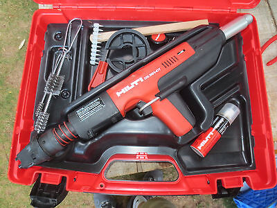HILTI DX 351ct with case Powder Actuated nail gun great working order