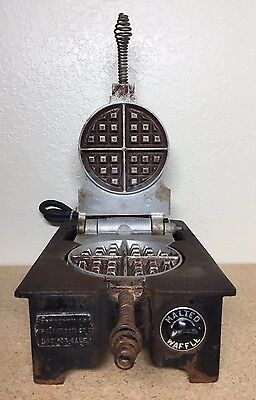 Vintage F. S. Carbon Co. Ruggedi Electric Waffle Iorn With Box Cast Iorn