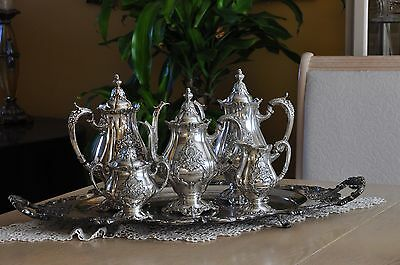 Gorgeous Christopher Wren by Wallace silver plated coffee/tea pot set - 6 piec.