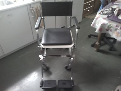chaise percee roulante+tribune 2 roues