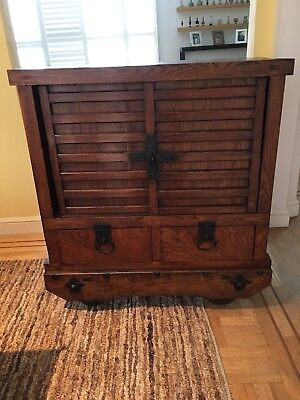 Beautiful Wheeled-Tansu mid-19th C. Excellent Condition