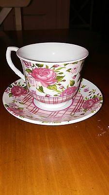Cup & Saucer: Floral Pattern