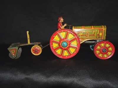 Vintage RARE Marx Lithographed Tin Wind-up  American Tractor Set. Works