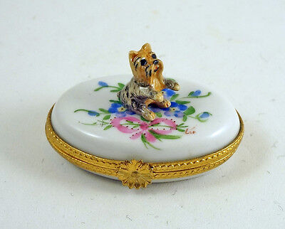 NEW FRENCH LIMOGES BOX CUTE YORKSHIRE TERRIER YORKIE DOG PUPPY on FLOWERS