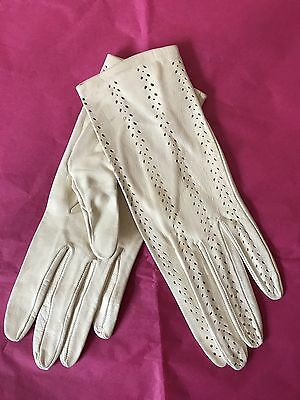 Vintage 50s Ladies Gloves Tooled Lacy Leather Pinup Cream Tea Cocktails