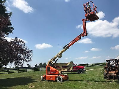 JLG 2002 40 ft with rotating jib new batteries annual inspection model E400AJPN