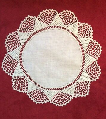 """Great 9 3/4"""" Vintage Ivory Linen & Crocheted Lace Round Doily w/ 2 Styles"""