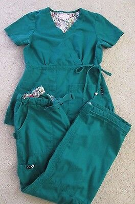 KOI Lindsey Scrub Set (Pants/Top with Tie Aglets) - Size XS/S Petite - GREEN