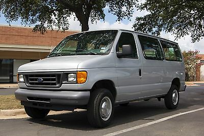 2006 Ford E-Series Van  Ford E-350 XLT Super Duty, LOW MILES!