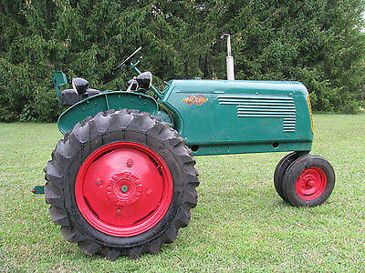 OLIVER 60 Row Crop Tractor