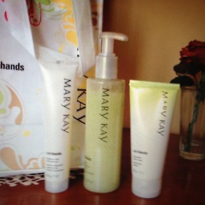 Mary Kay Honeydew Satin Hands Pampering Set exp.2017;