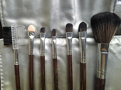 Set 7 pennelli professionali per Make Up Cosmetic Brush Kit con custodia grigia