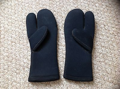 Diving equipment..dive gloves / mitts size large • £3.50 ...