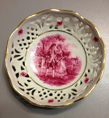 """A small German porcelain dish 3.5"""" diameter - victorian picture"""