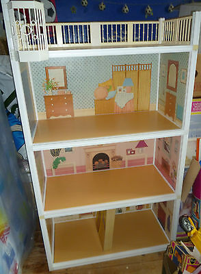 Vintage 80's Pedigree Sindy House with lift & Boxed Furniture