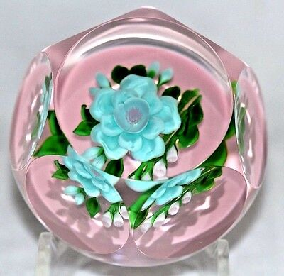 BEAUTIFUL Victor TRABUCCO Art Glass MULTIFACET FLOWER Mauve Ground PAPERWEIGHT