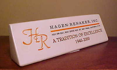 RETIRED #7070 Hagen-Renaker PLAQUE 2000 Ceramic Sign w/ ORANGE/BLACK Inscription