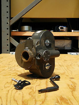 """""""BELL & HOWELL EYEMO"""" 71-K  Automatic Cine Camera & crank handle,s"""