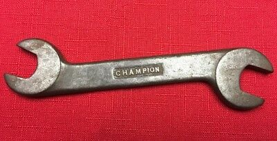 Champion,  stubby obstruction wrench Vintage Antique 6 Inches Long