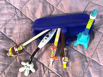 Lot of 5 + case Pens, Ink, Ball Point, Plastic, Retractable.