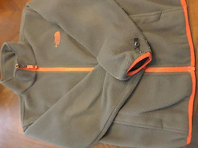 The North Face boys jacket in gray size small 7/8