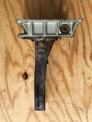 Suzuki DT75 DT85 Outboard Engine Holder And Exhaust Tube 51111-95210 14211-95510