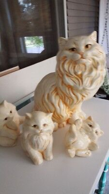 Vintage 60's/70's Ceramic Persian Cat and kittens