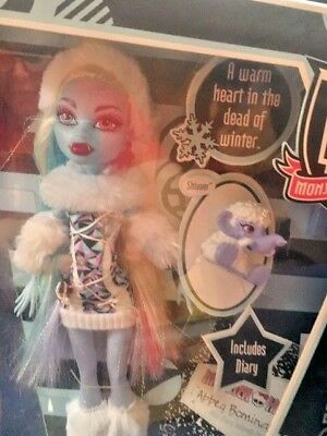 Monster High Doll Original Pet Abbey Bominable 1st Wave New in Box Retired