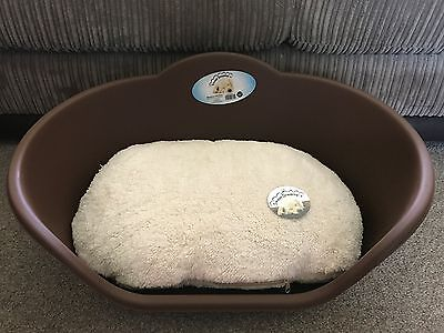 Medium Brown Plastic Pet Bed Cat Dog Basket Luxury Cream Fleece Washable Cushion