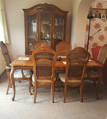 Antique   American Table 6 Chairs & Cabinet