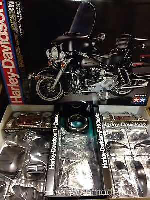 Tamiya 16037 1/6 Scale Motorcycle Model Kit Harley Davidson FLH Classic Black