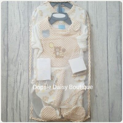 Babys Lovely 5 Piece Layette Suit Boys or Girls