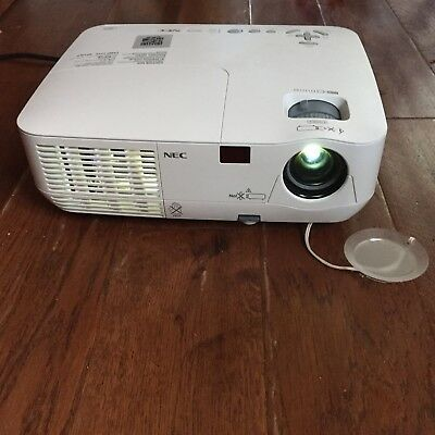 NEC NP210G DIGITAL PROJECTOR In White.